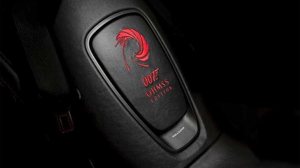 Siêu xe đặc biệt Aston Martin DBS Superleggera OHMSS Edition giúp bạn sành điệu như điệp viên 007 - Hình 7