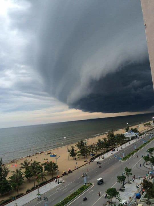 Sự thật đằng sau đám mây khổng lồ với hình thù kỳ lạ ở Huế đang khiến cộng đồng mạng sửng sốt - Hình 3
