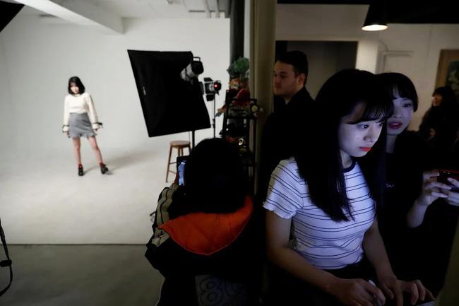 Thiếu nữ Nhật và ước mơ trở thành thần tượng Kpop: Đánh đổi và hy sinh cuộc sống, tiền bạc lẫn danh tiếng để được nổi tiếng ở Hàn Quốc - Hình 9