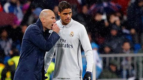 Varane quyết định ở lại Real Madrid - Hình 1