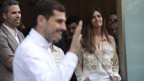 Vừa khỏi đột quỵ, Casillas lại đón tin dữ vợ bị ung thư - Hình 1