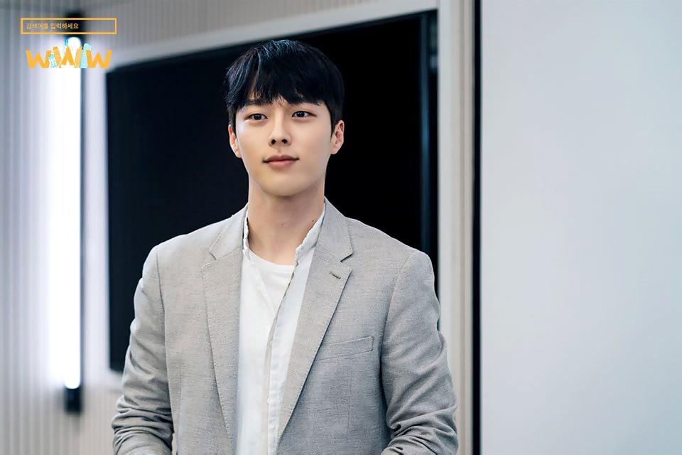 Vừa làm sát thủ, trai đẹp Jang Ki Yong nay lại làm phi công nội tâm diễm tình nhất màn ảnh Hàn! - Hình 1