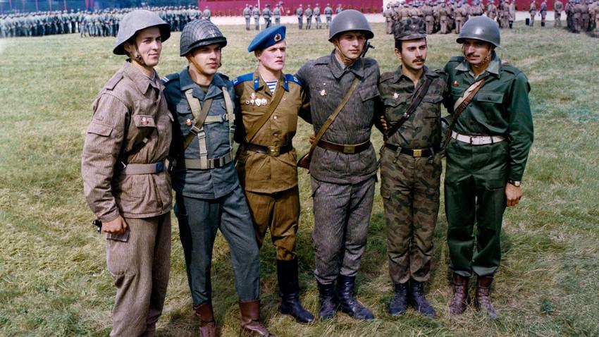 Bí mật chưa kể về NATO Liên Xô, liên minh quân sự một thời đối trọng với NATO phương Tây - Hình 1