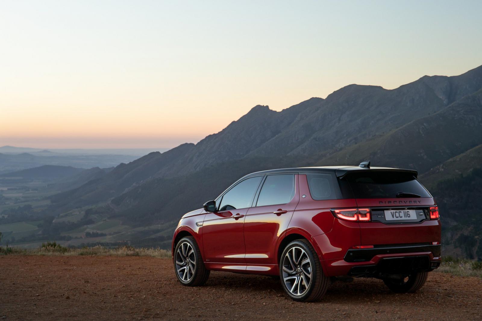 Đánh giá nhanh Land Rover Discovery Sport 2020: Thay đổi nhiều hơn vẻ bề ngoài - Hình 4