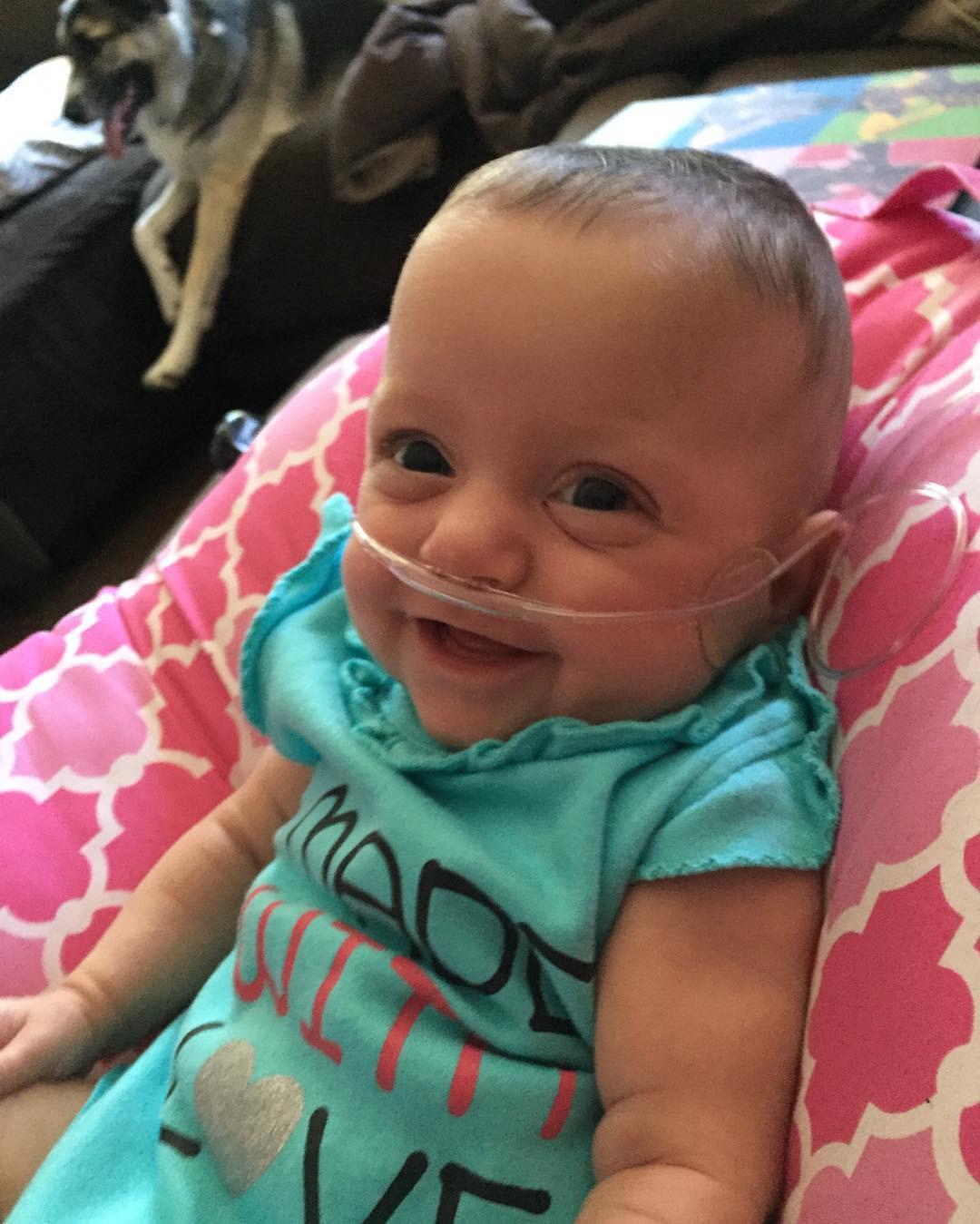 Em bé sinh non 14 tuần, nặng chưa đầy 0,5kg và hành trình sống sót kỳ diệu lấy đi nước mắt của hàng triệu người - Hình 12