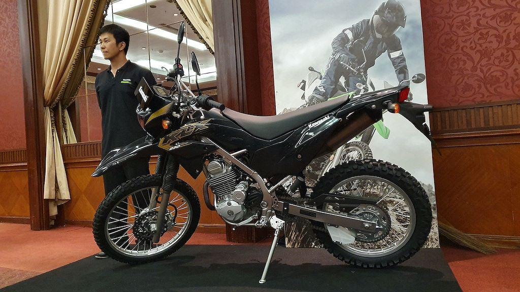Mô tô địa hình Kawasaki KLX230 ra mắt, giá hữu nghị chỉ từ 64,4 triệu - Hình 3