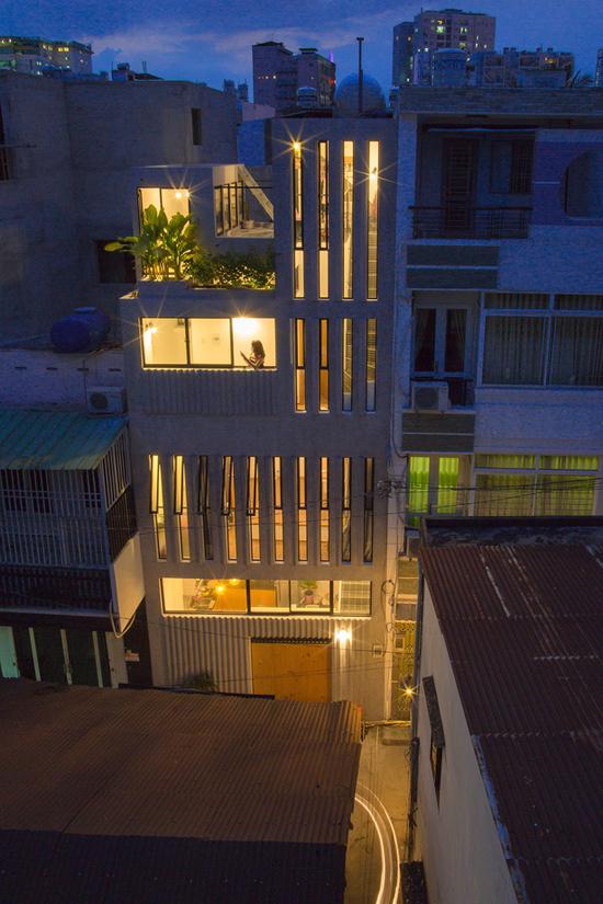 Nhà ống Sài Gòn kiểu dọc trên mảnh đất 18 m2 - Hình 2