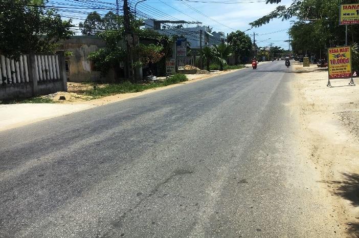 Quảng Nam : Truy tìm ô tô tông hai mẹ con tử vong rồi bỏ chạy - Hình 1