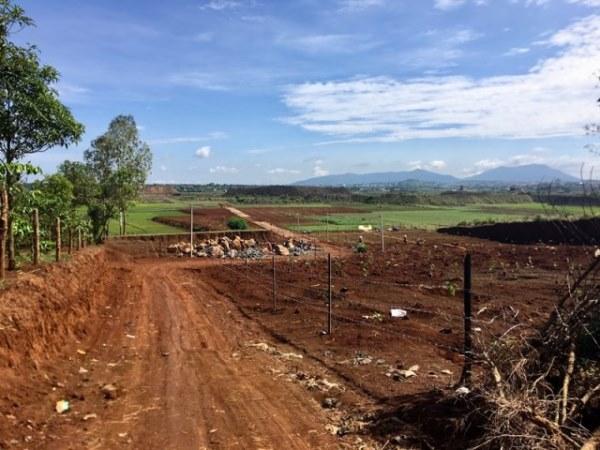 San lấp ruộng để phân lô bán nền : Không khắc phục sẽ thu hồi đất - Hình 1