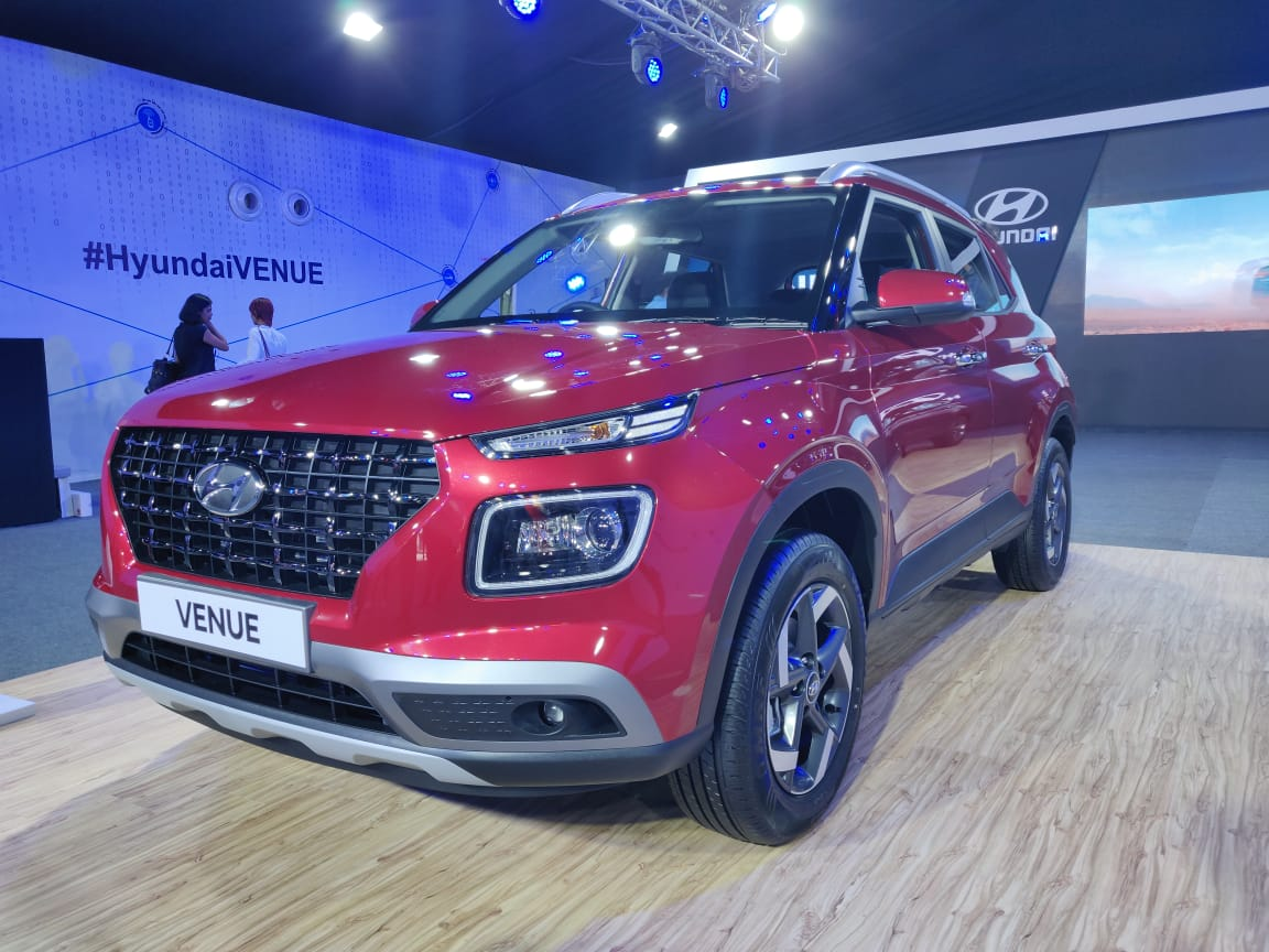 SUV cỡ B giá rẻ Hyundai Venue 2020 bán chạy như tôm tươi - Hình 1