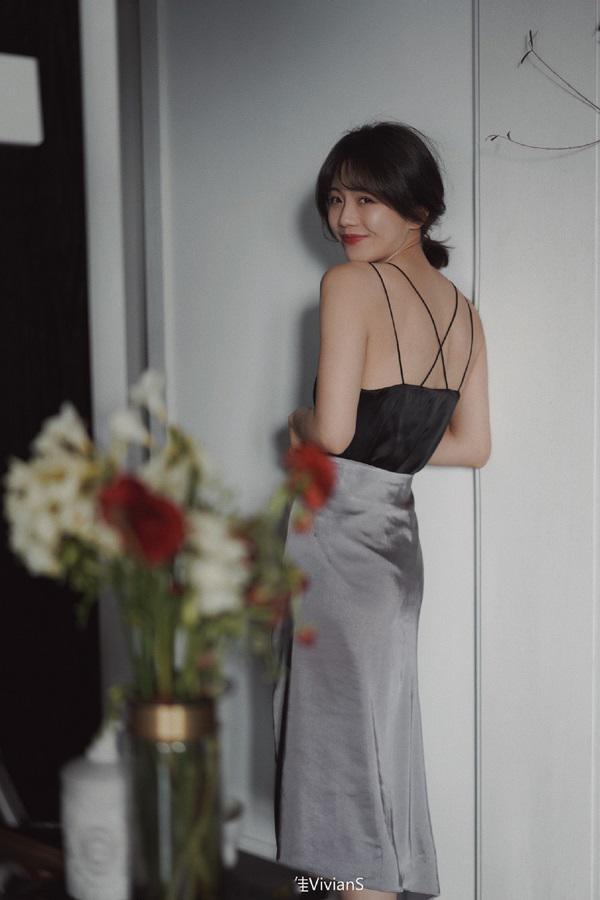 Thời tiết Sài Gòn nắng mưa thất thường, đây là những gì các nàng cần có để mặc đẹp mọi nơi - Hình 12