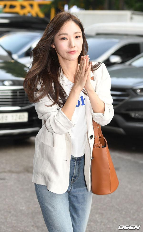 Tiệc liên hoan Vagabond: Lee Seung Gi vắng mặt, Suzy xinh xắn bên Shin Sung Rok - Hình 13