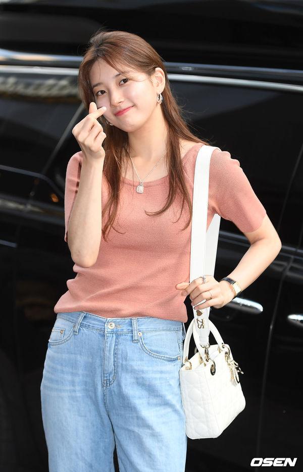 Tiệc liên hoan Vagabond: Lee Seung Gi vắng mặt, Suzy xinh xắn bên Shin Sung Rok - Hình 1