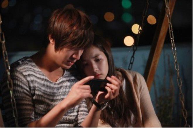 Từng yêu cả tập đoàn nam thần, ánh mắt tình tứ nhất của Park Min Young là dành cho ai? - Hình 24