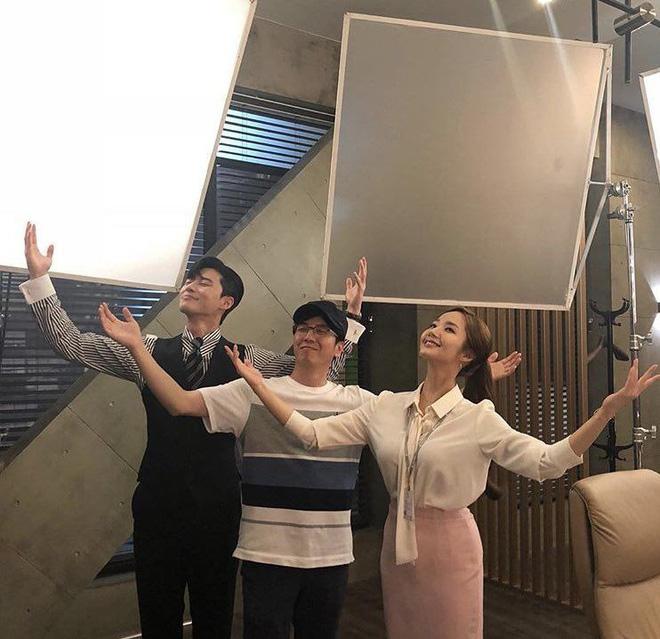 Từng yêu cả tập đoàn nam thần, ánh mắt tình tứ nhất của Park Min Young là dành cho ai? - Hình 8