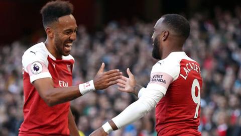 Arsenal mất trắng Aaron Ramsey: Lời cảnh cáo cho Auba & Laca - Hình 2