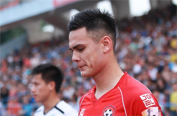 Bóng đá Việt có thêm soái ca mới, từ gương mặt đến vóc dáng sexy ngang ngửa Đặng Văn Lâm - Hình 1