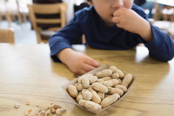 Cho con ăn 5 thực phẩm này trước khi đi ngủ sẽ khiến cả thể chất và não bộ của trẻ bị ảnh hưởng - Hình 3