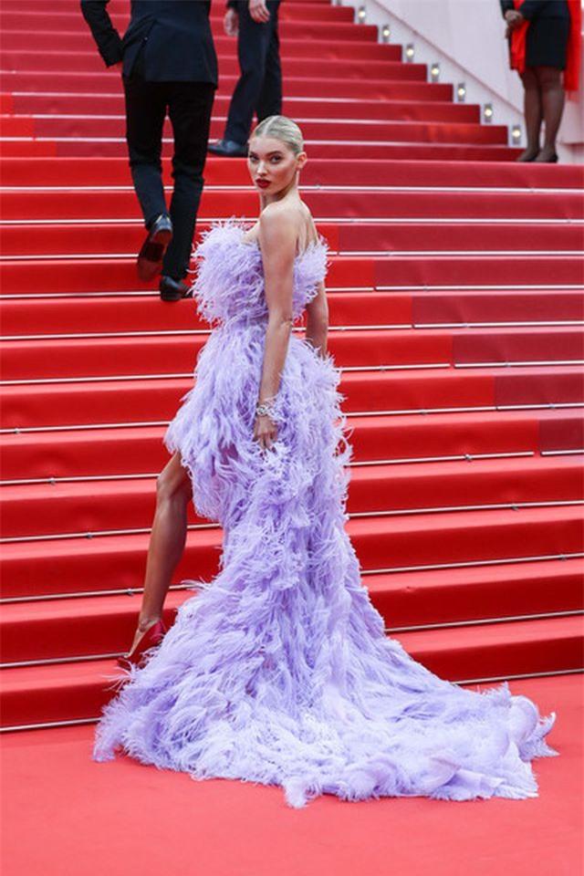 Elsa Hosk rực rỡ với váy tím dự LHP Cannes - Hình 7