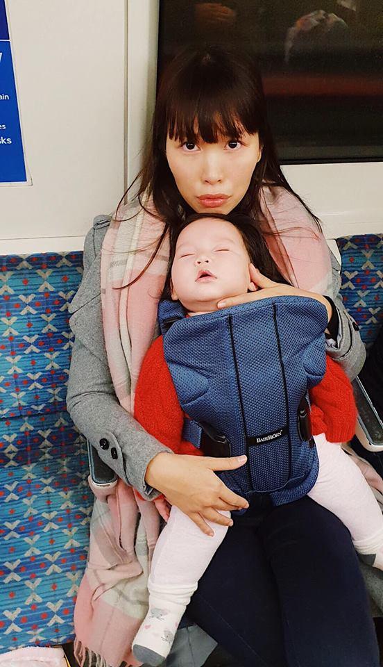 Hà Anh độp vào mặt những người chỉ trích cô ác khi luyện ngủ cho con - Hình 1