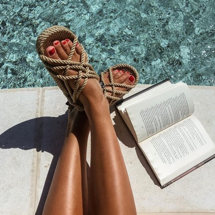 Hè này đi đâu cũng thấy 5 kiểu sandal siêu xinh siêu hot này - Hình 5