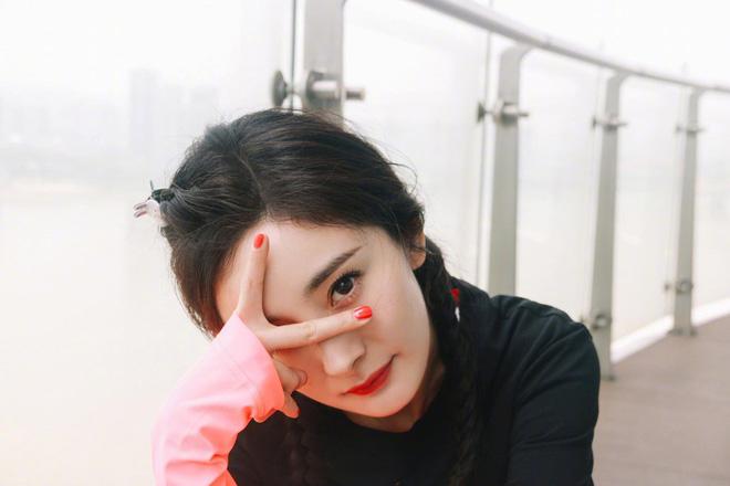 Hình ảnh của Dương Mịch hậu ly hôn Lưu Khải Uy: Trẻ lại chục tuổi, không khác nào thiếu nữ đôi mươi - Hình 4