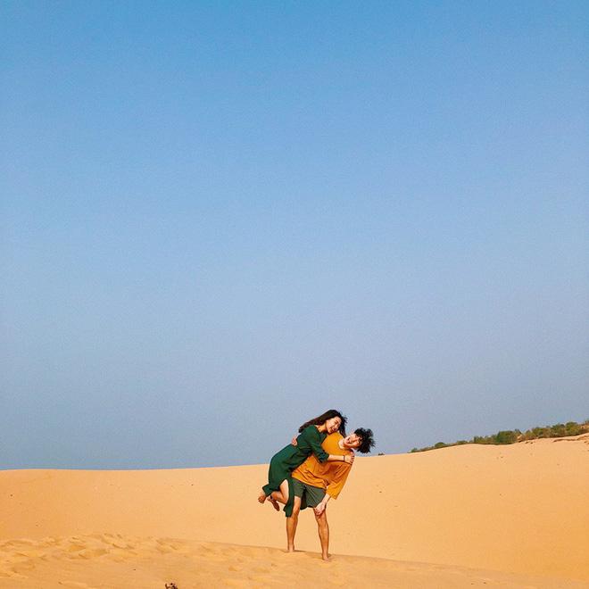 Học cách pose dáng như cặp đôi người Hàn này, đảm bảo có ngay loạt ảnh du lịch đáng yêu không trượt phát nào - Hình 9