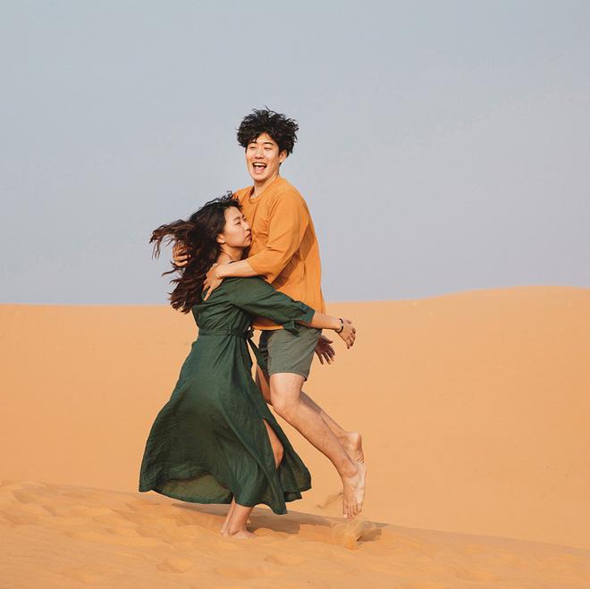 Học cách pose dáng như cặp đôi người Hàn này, đảm bảo có ngay loạt ảnh du lịch đáng yêu không trượt phát nào - Hình 10