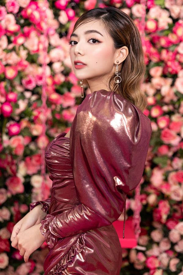 Không chân dài mét tám như Quỳnh Hoa, Katleen Phan Võ chẳng kém cạnh khi đụng váy áo - Hình 6