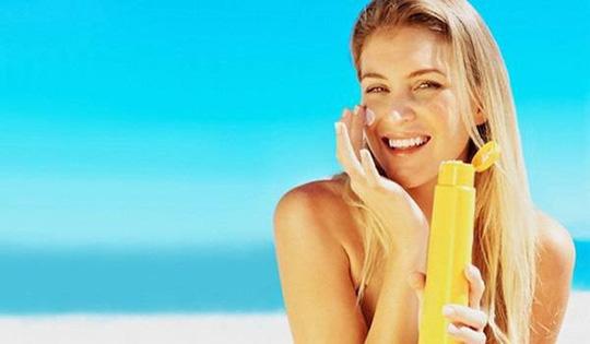 Mẹo đơn giản mà hiệu quả giúp da không bị bắt nắng ngày hè - Hình 6