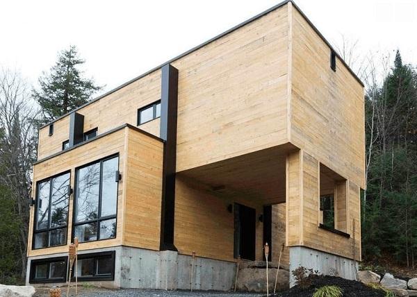 Người phụ nữ xây ngôi nhà lạ mắt từ 4 chiếc xe container cũ - Hình 2