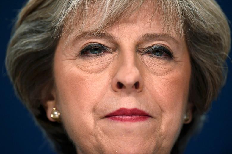Những khoảnh khắc đáng nhớ trong 3 năm đương chức của Thủ tướng Anh - Hình 3