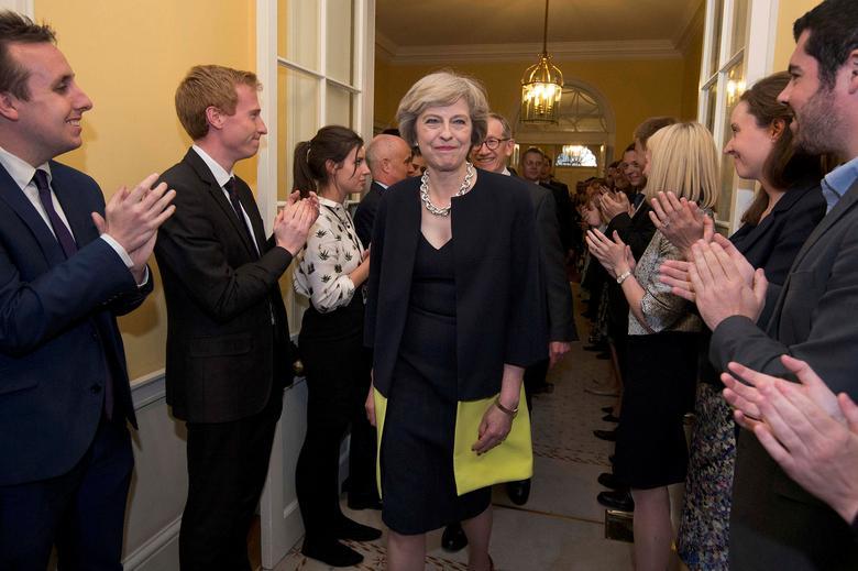 Những khoảnh khắc đáng nhớ trong 3 năm đương chức của Thủ tướng Anh - Hình 2