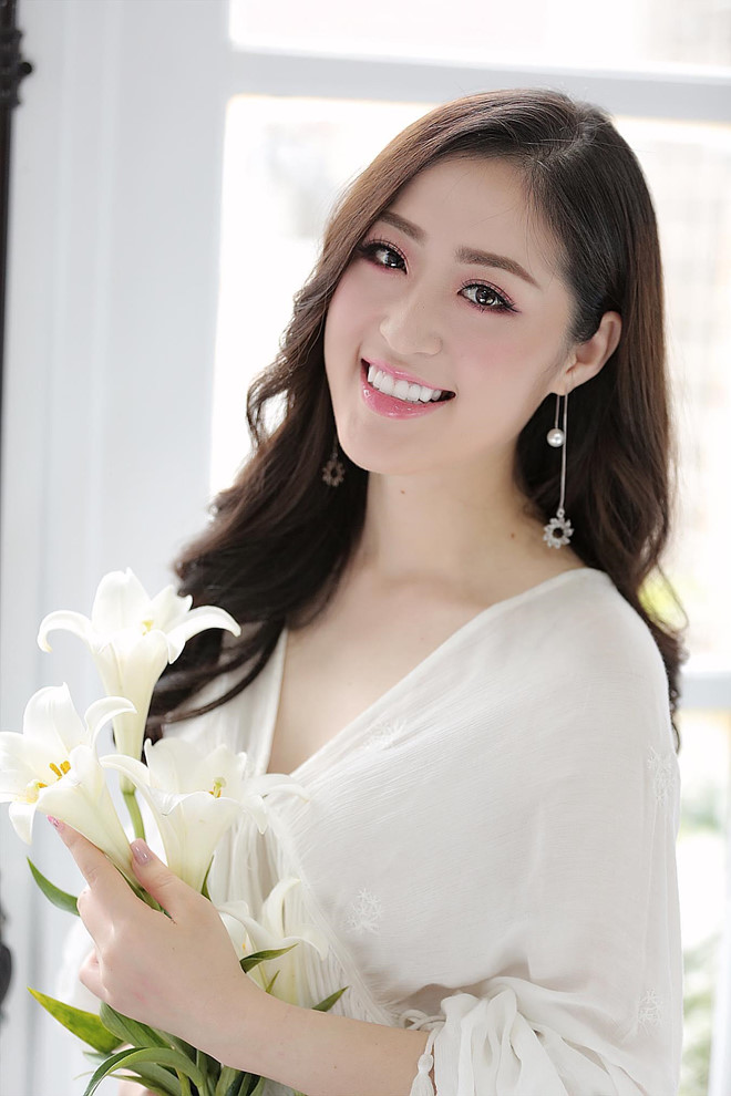 Nữ MC truyền hình ở Quảng Ninh được mệnh danh hot girl thời tiết - Hình 6