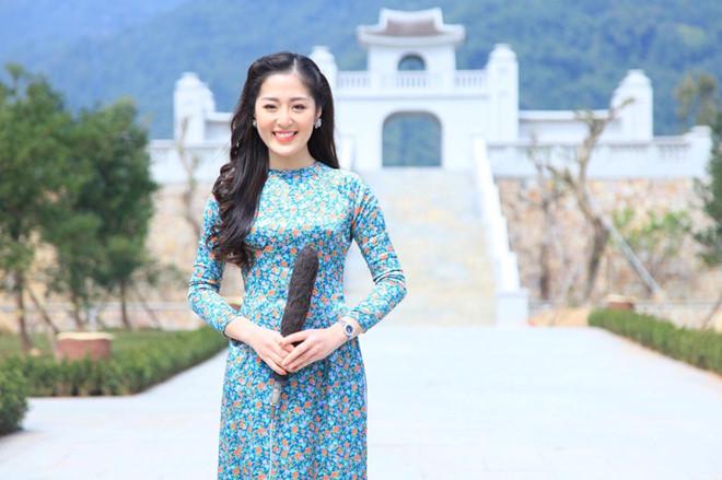 Nữ MC truyền hình ở Quảng Ninh được mệnh danh hot girl thời tiết - Hình 1