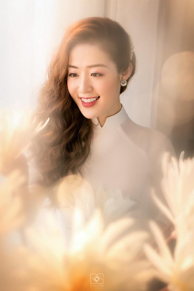 Nữ MC truyền hình ở Quảng Ninh được mệnh danh hot girl thời tiết - Hình 5