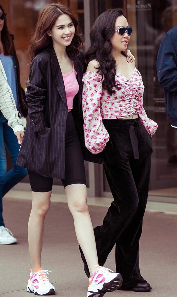 Phượng Chanel dạo phố Cannes cùng Ngọc Trinh - Hình 2
