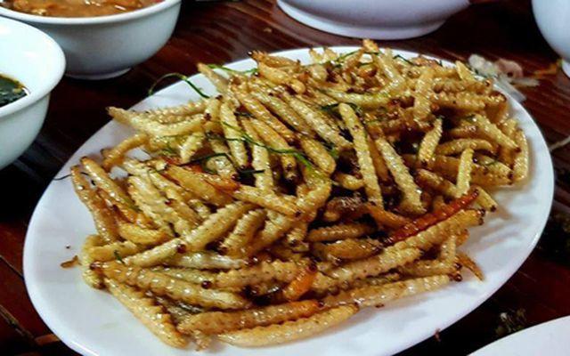 Sởn da gà nếm thử 5 đặc sản từ sâu béo núc ở Việt Nam - Hình 5