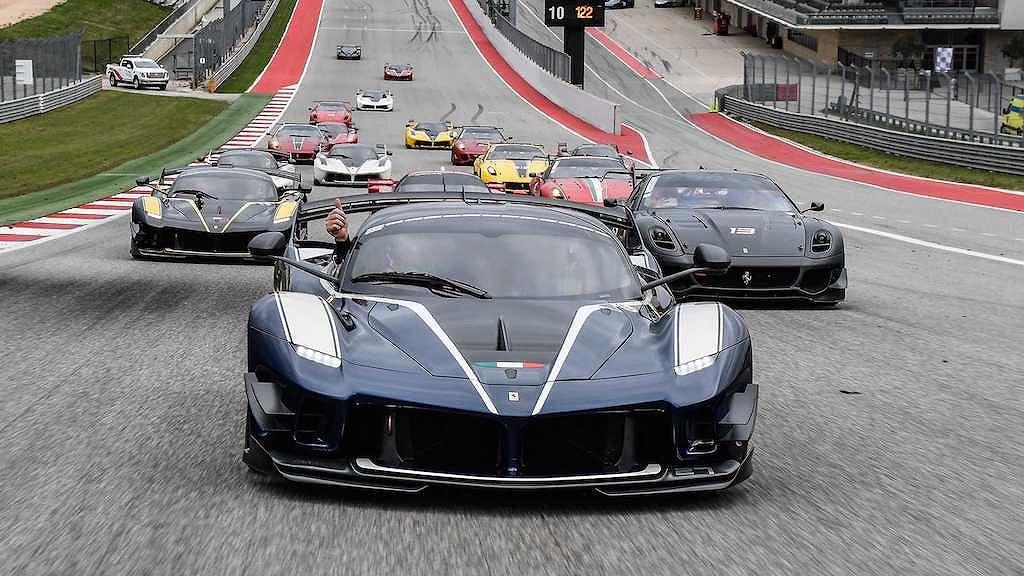 Các đại gia có tiền tấn chưa chắc đã được gia nhập CLB siêu xe Ferrari này! - Hình 2