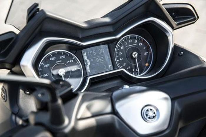 Chi tiết Yamaha XMax 300: Động cơ 292cc, giá hơn 120 triệu - Hình 11