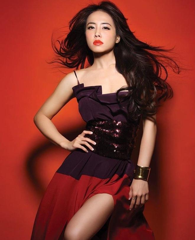 Diva Đài Loan bị chiếu laser vào mắt trong lúc biểu diễn - Hình 2