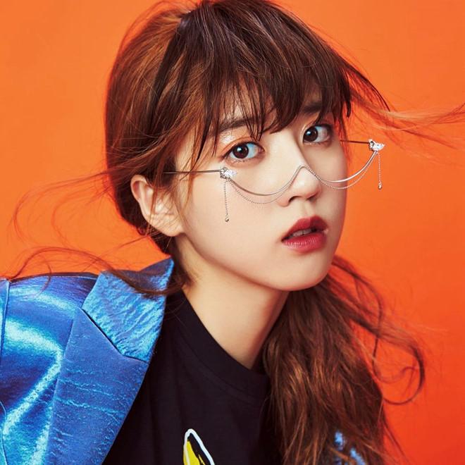 Hot girl Singapore thế hệ mới đa tài, nổi tiếng trong giới trẻ châu Á - Hình 6