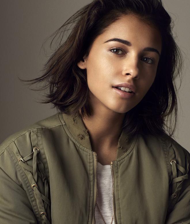 Jasmine đầu tiên của Aladdin Naomi Scott: Vẻ đẹp lai Á - Âu gây bão, từ ca sĩ vô danh thành công chúa mới của Disney - Hình 8