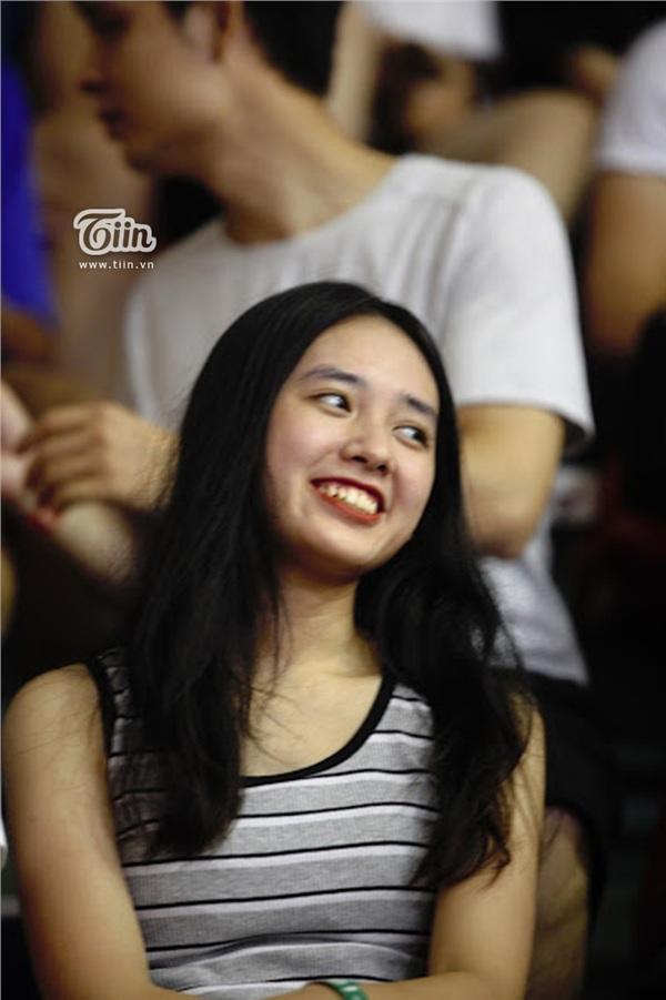 Ngắm dàn fan girl đi cổ vũ bóng rổ, ai cũng phải gật gù: Con gái hễ cứ mê bóng thì đều xinh! - Hình 4