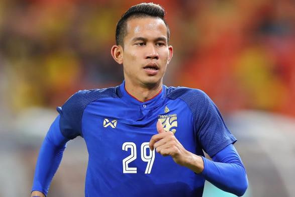 Cầu thủ Thái Lan đấm trọng tài rút lui khỏi Kings Cup - Hình 1