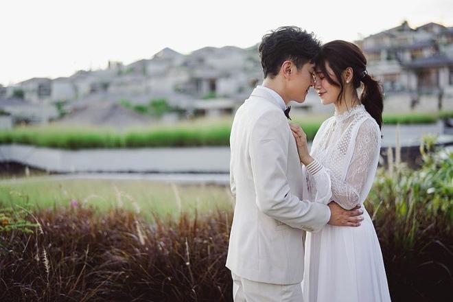 Đám cưới cổ tích bất ngờ của cặp đôi mỹ nam Cung Tâm Kế và nữ diễn viên Mái Ấm Gia Đình sau 5 năm bên nhau - Hình 2