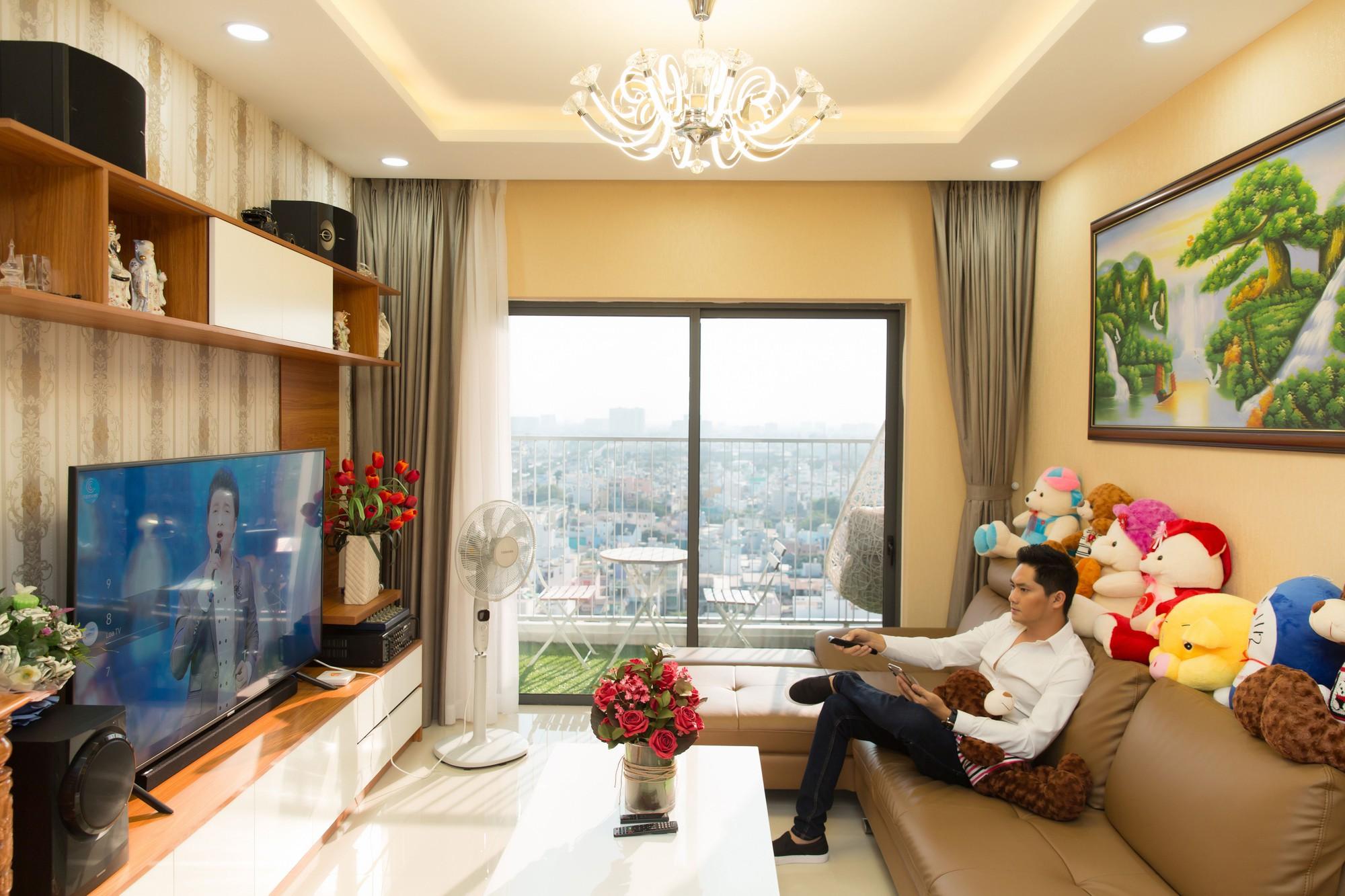 Diễn viên Minh Luân tự hào khoe căn hộ rộng 100 m2 sau 10 năm lập nghiệp ở TP HCM - Hình 2