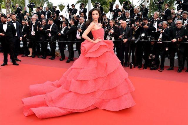 Những bộ váy đẹp nhất trên thảm đỏ Cannes 2019 - Hình 34