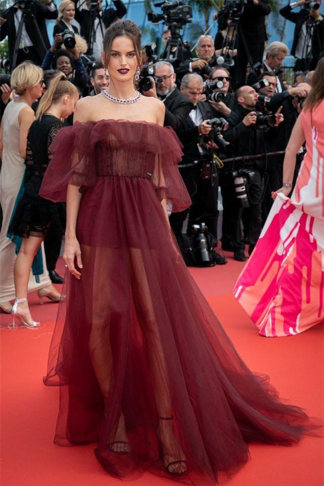 Những bộ váy đẹp nhất trên thảm đỏ Cannes 2019 - Hình 8