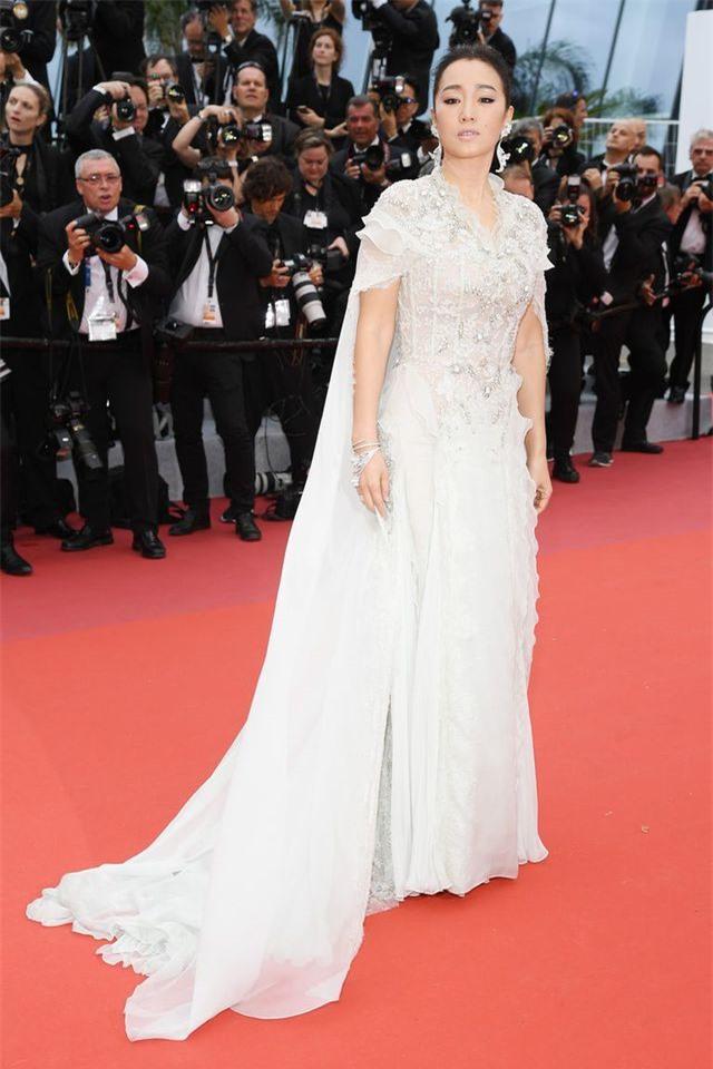 Những bộ váy đẹp nhất trên thảm đỏ Cannes 2019 - Hình 38